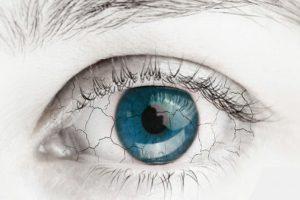 עין יבשה אצל נשים בגיל המעבר