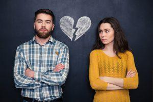 בני זוג מתגרשים